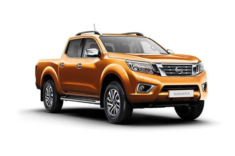 Nissan Navara PickUp DoubleCab 4wdS 2.3 dCi 4WS 190PS Tekna Pickup Double Cab Auto front view