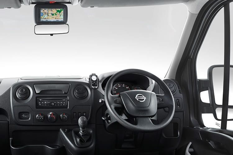 Nissan NV400 L4 35TW RWD 2.3 dCi DRW 145PS Acenta Chassis Cab Manual [Start Stop] inside view