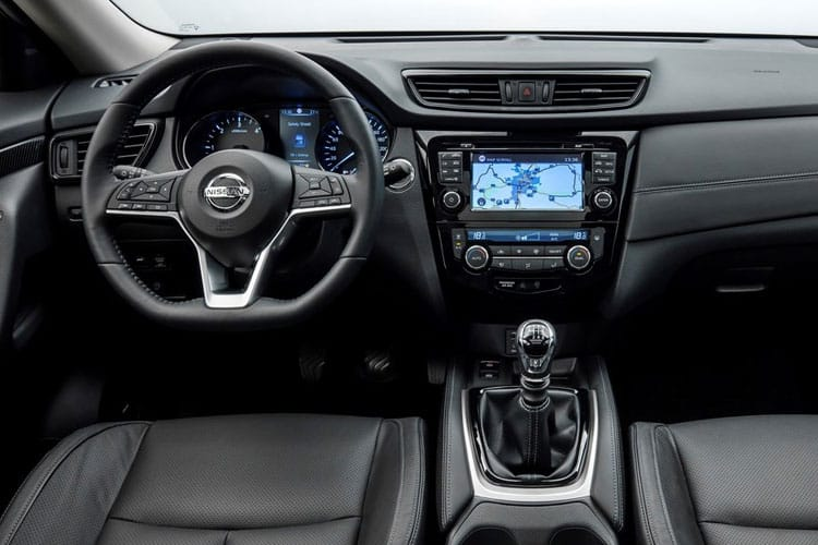 Nissan X-Trail SUV FWD 1.7 dCi 150PS N-Connecta 5Dr CVT [Start Stop] [7Seat] inside view
